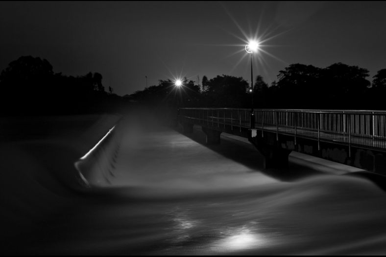 The weir at night