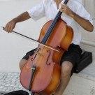 Suonare il violoncello