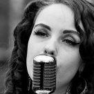 Sweet lady sings