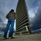 El hombre que miraba la Torre-2