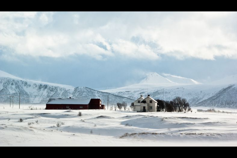 Houses & snowy mountains