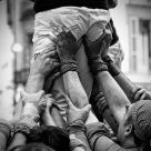 Building the human tower (Castell)
