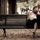 2 amoureux sur un banc