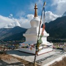 Chorten & the Annapurnas