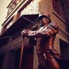 Statue&Hotel