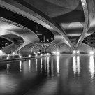 Luces bajo el puente