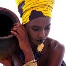 la porteuse d'eau...  I  abidjan, Cote d'Ivoire