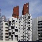 建築 Architecture: Nakagin Capsule Tower in Tokyo, Japan.