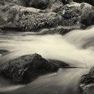 Agua en blanco y negro