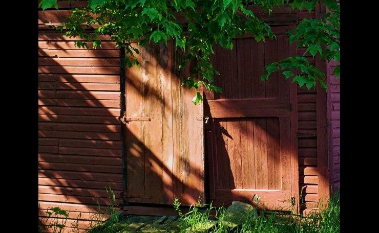 Barn Door in Mornin g Light