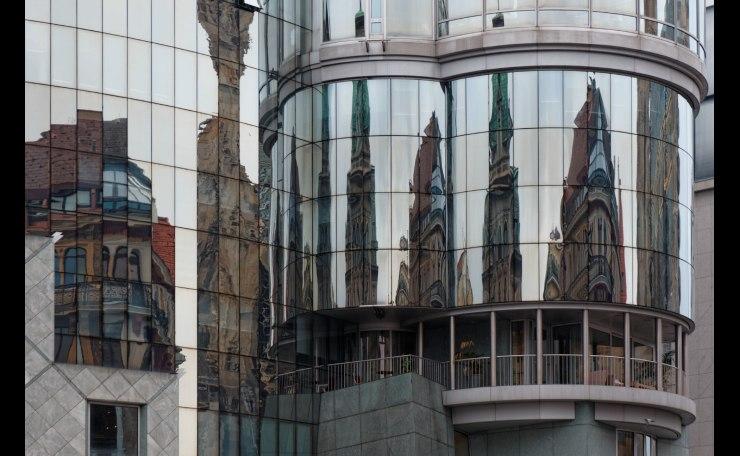 Reflection Stephansplatz