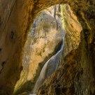 Cascada en la cueva
