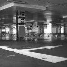 Empty Mall Parkir Lot